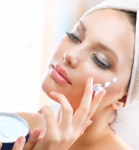 Jak pielęgnować tłustą skórę ciała
