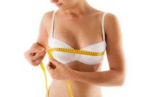 Czy implanty piersiowe trzeba wymieniać?