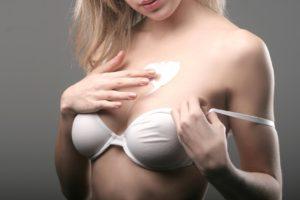Jak dbać o biust w trakcie diety?