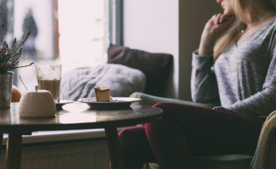 Czy portale randkowe są sposobem na samotność?