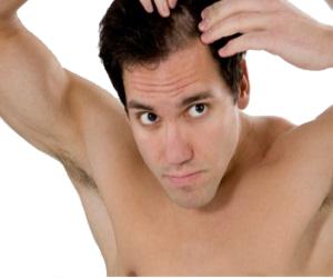 Wypadanie włosów – fakty i metody przeciwdziałania