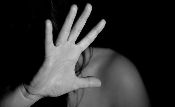 Jak psycholog może pomóc w zapanowaniu nad strachem?