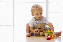 Jakie zabawki są odpowiednie dla dziecka