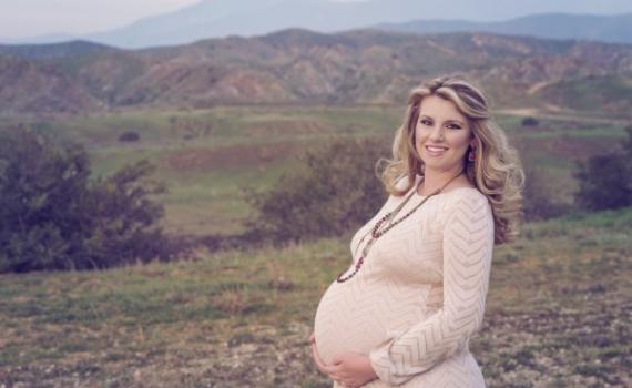 O czym pamiętać kupując odzież ciążową?