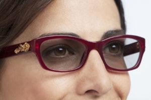 Sprawdź jak sobie radzić z wrażliwością oczu i jak odzyskać komfort widzenia