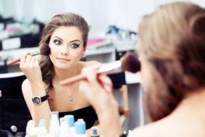 Jak nakładać bazę pod makijaż?