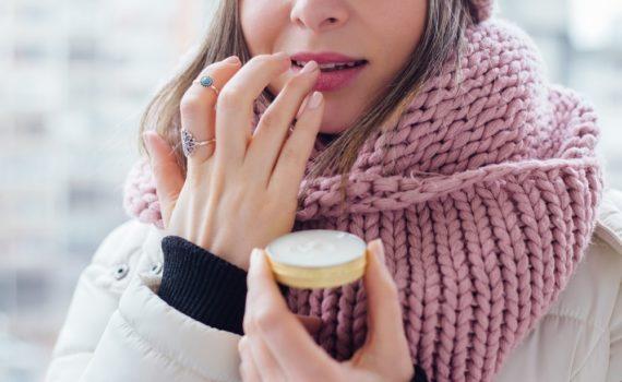 Jak nawilżyć skórę zimą? - porady pielęgnacyjne