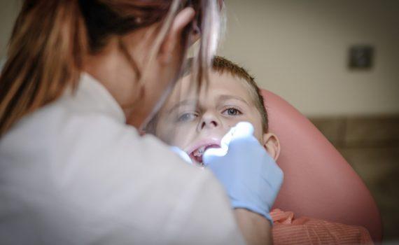 Dlaczego regularne wizyty u dentysty są tak ważne?