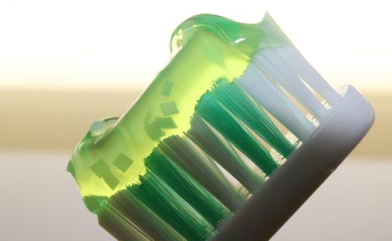 Jak dbać o zęby najmłodszych?