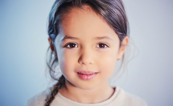 Zaburzenia uwagi słuchowej u dzieci – objawy i leczenie