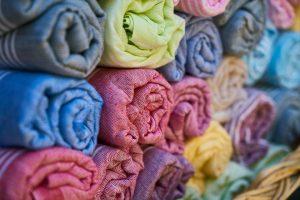 Ubranka dla dzieci - jakie materiały wybrać?