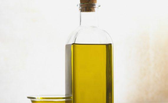 Olej jojoba - zamiast kremu i balsamu?