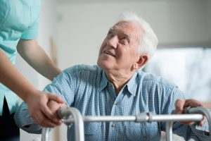 Opieka nad osobą chorą - jak poradzić sobie w trudnej sytuacji