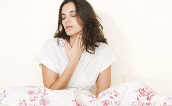 6 sprawdzonych sposobów na bolące gardło