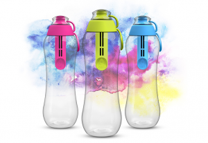 Sposób na czystą wodę poza domem - butelki filtrujące