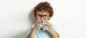 Picie filtrowanej wody