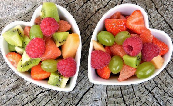 Dietetyka w fenyloketonurii – rola białek, witamin i energii w diecie.