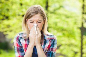 Objawy wiosennej alergii – jak sobie z nimi radzić?