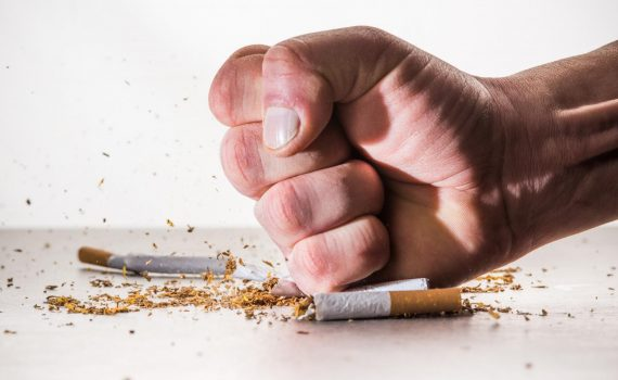 Kobietom trudniej jest rzucić palenie niż mężczyznom?