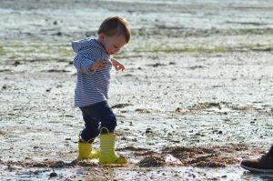 Gdy stopa rośnie - dobieramy odpowiednie obuwie dla dziecka
