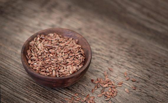 Kompletny przewodnik po właściwościach siemienia lnianego i sposobach leczenia trądziku